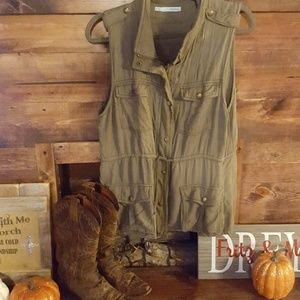 Marices XL Khaki loose fitting vest with pockets